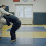 Techniki BJJ: Obalenie za jedną nogę od Maksa Wiśniewskiego [WIDEO]