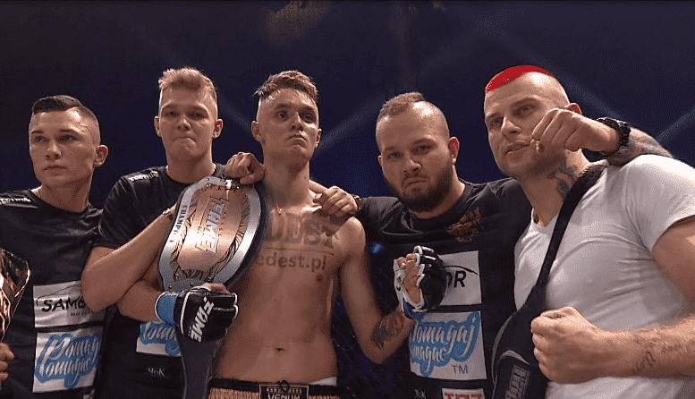 """FAME MMA 2: Dawid Malczyński wygrywa na punkty z """"Polakiem ..."""